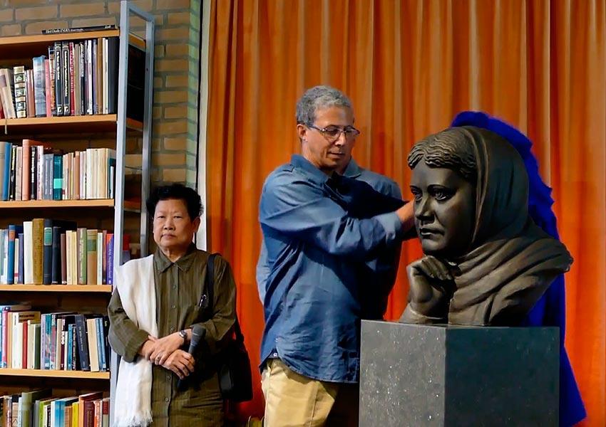 Бюст Елены Блаватской установлен в Нидерландах