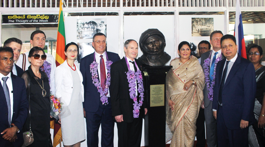 Бюст Юрия Гагарина в Шри-Ланке